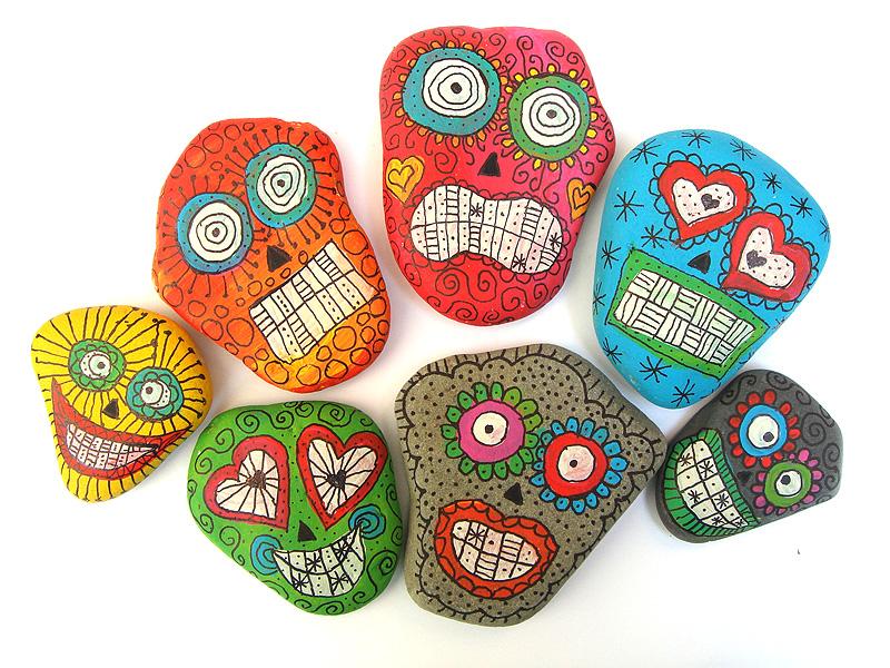 steine bemalen anleitung mit hilfe von eddings kann man die steine bemalen diy mandala stones. Black Bedroom Furniture Sets. Home Design Ideas